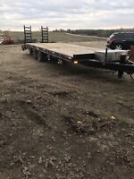 Floating service camper trailer fifth wheel moving Canada / US