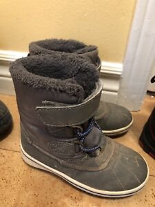 Toddler winter boots size 9