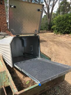 Camper drawbar fridge drawers box cub