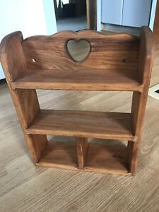 LIKE NEW BEAUTIFUL SOLID WOOD SHELF IN EXCELLENT CONDITION