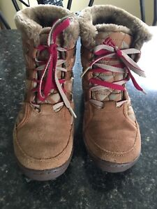 Size 5 Columbia Boots