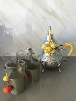 Hand made Moroccan Tpot and glasses