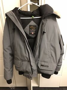 Canada goose authentic men's large winter bomber jacket