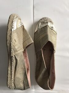 Brand New Size 6 Made In Spain Gold Espadrilles Shoes