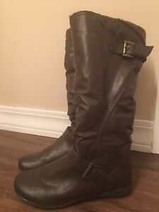 Women's Brown Winter Boots - Size 10 LIKE NEW