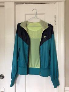 Nike women's windbreaker
