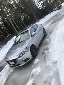 2015 Mazda 3 GS *Excellent Condition* new set of tires