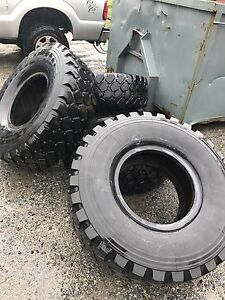 395 85 R20 Michelin military tires
