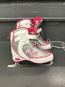 Girls Ice Skates Size J4 Junior 4 Hespeler used one season only!
