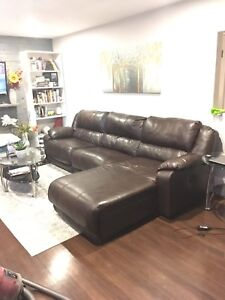 RECLINING LEATHER SECTIONAL COUCH