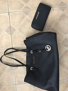 Michael kors black purse and wallet matching