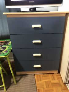 Twin bedroom set (lots of drawer space)