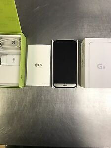 Selling or Trading UNLOCKED WIND READY LG G5 Original BOX