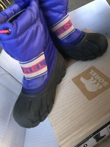 Size 10 kids winter sorel boots