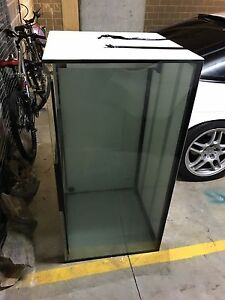 4x2x2 Fish Tank with a Weir - CRACKED BASE Parramatta Parramatta Area Preview