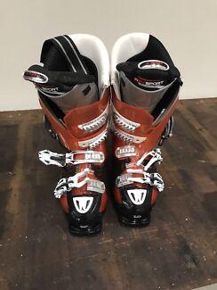 Ski Boots size USA  7-8  St Kilda Port Phillip Preview