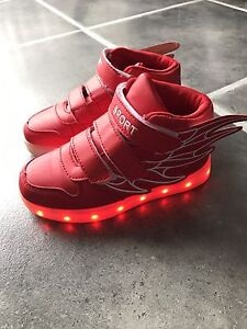 Little Boys LED sneakers