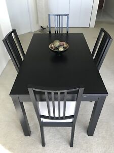 Expandable Dining Table + 4 Chairs $380