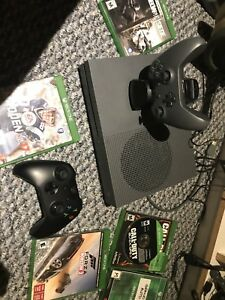 Xbox one s 5 games 2 controllers