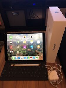 iPad Pro 10.5 inch 256 GB cellular LTE (comes with AppleCare)