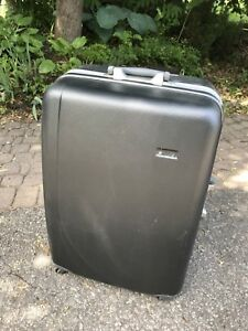 4 wheel rolling suitcase good for a one way trip