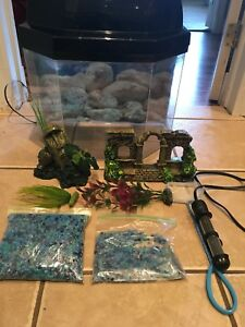 8 Gallon fish tank/ aquarium for sale!!!!