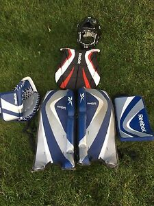 Youth road hockey goalie set