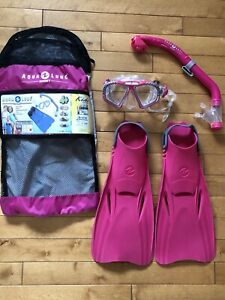 Snorkeling gear for a child, size L/XL