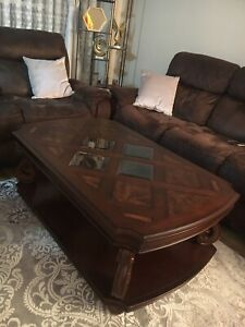 Beautiful coffee Table Stunning condition