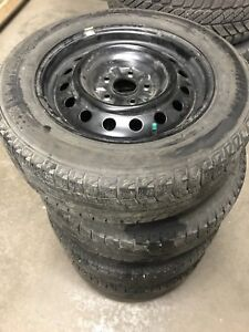 215/60R16 Michelin X ICE avec rims 114.3x5