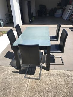Dining Table For Sale With 6 Chairs 250