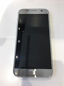 Samsung Galaxy S7 Silver with Gear VR