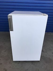 Bar fridge - Kelvinator 143L (Delivery Available) Brompton Charles Sturt Area Preview