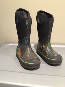 Boys Bogs Winter Boots for sale - size 13