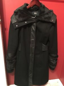 Trendy Winter coat - size small