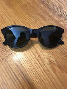 New Woman's Ray Ban Sunglasses