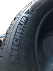 Pneus hiver Michelin X-Green 275/45R20 tires
