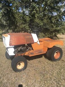 FOR SALE : ANTIQUE  AMF LAWN TRACTOR for PARTS