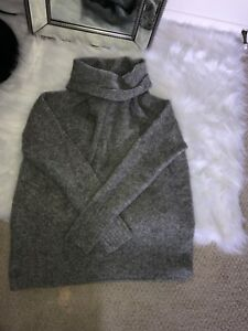 Aritzia grey wool sweater