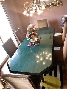 Need it gone today!!! Luxury dining set