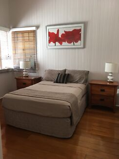Holiday Accommodation - Fully Furnished bedroom North Cairns