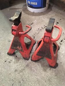 2 Axel Stands