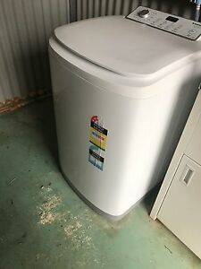 Washing machine 5.5kg top loader Oxley Vale Tamworth City Preview