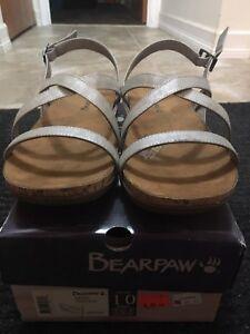 Size 10 Bearpaw never worn