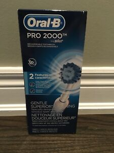 Oral B Pro 2000 Electric Toothbrush BRAND NEW
