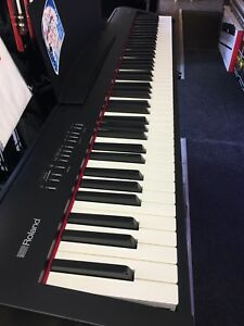 Piano Roland FP-30 stage/maison