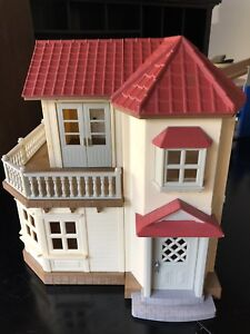 Calico Critter Luxury Town Home + Other Critter Sets