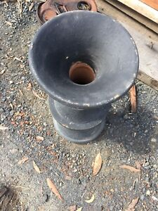 Vase/plant pot stand Tuggerah Wyong Area Preview