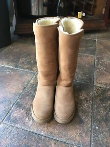 UGG Classic slim boots size 5.5 authentic