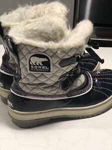 Sorel winter boots size 7  great condition $70 obo